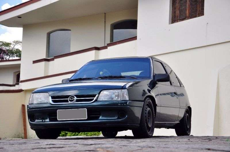 Chevrolet Kadett 1st generation [restyling] 1.8 MT hatchback (1996–1997)