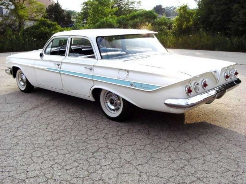 Chevrolet Impala 3rd generation sedan 4.6 Powerglide (1961–1961)