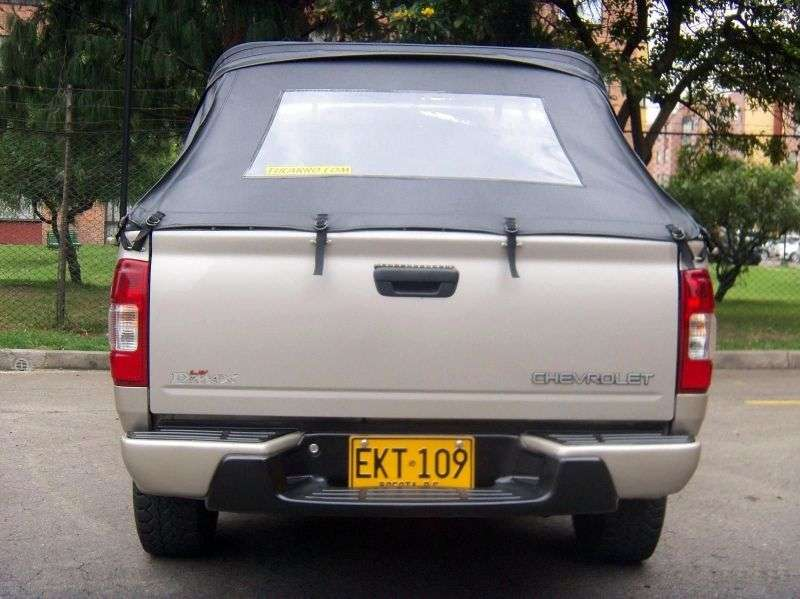 Chevrolet LUV D MAX 1st generation pickup 2.4 MT (2005–2007)