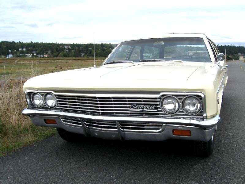 Chevrolet Impala 4th generation [restyling] station wagon 6.4 4MT 3 seat (1966–1966)