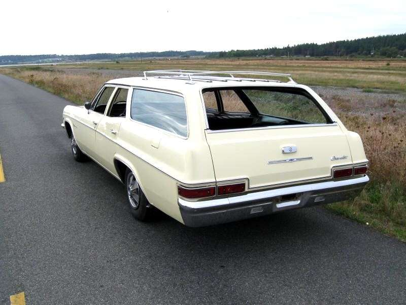 Chevrolet Impala 4th generation [restyling] station wagon 4.6 4MT 3 seat (1966–1966)