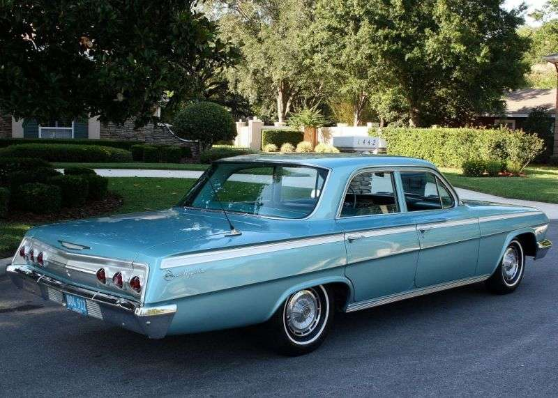 Chevrolet Impala 3rd generation [restyling] 4.6 MT sedan (1962–1962)