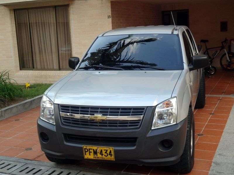 Chevrolet LUV D MAX 1st generation [restyling] pickup 2.4 MT (2006 – v.)