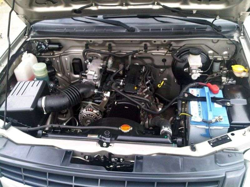 Chevrolet LUV D MAX 1st generation [restyling] pickup 2.4 MT (2006 – v.)