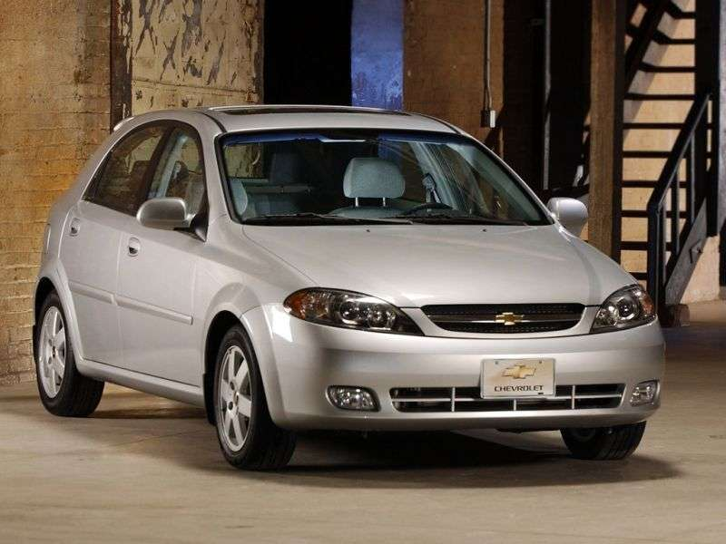 Chevrolet Optra 1st generation [restyling] hatchback 1.8 AT (2004–2008)
