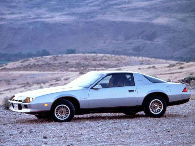 Chevrolet Camaro 3rd generation coupe 2.5 AT (1982–1982)