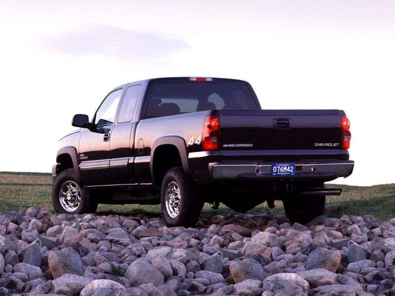 Chevrolet Silverado GMT800 [restyling] Extended Cab pick up 4 bit. 6.6 TD 5MT LWB 2500HD (2007–2007)