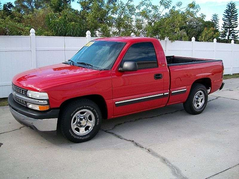 Chevrolet Silverado GMT800Regular Cab pickup 2 dv. 4.8 4AT 1500 Fleetside (1999–2001)
