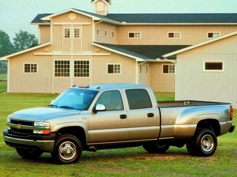 Chevrolet Silverado GMT800Crew Cab pick up 4 bit. 8.1 5MT 4WD LWB 2500HD (2001–2002)