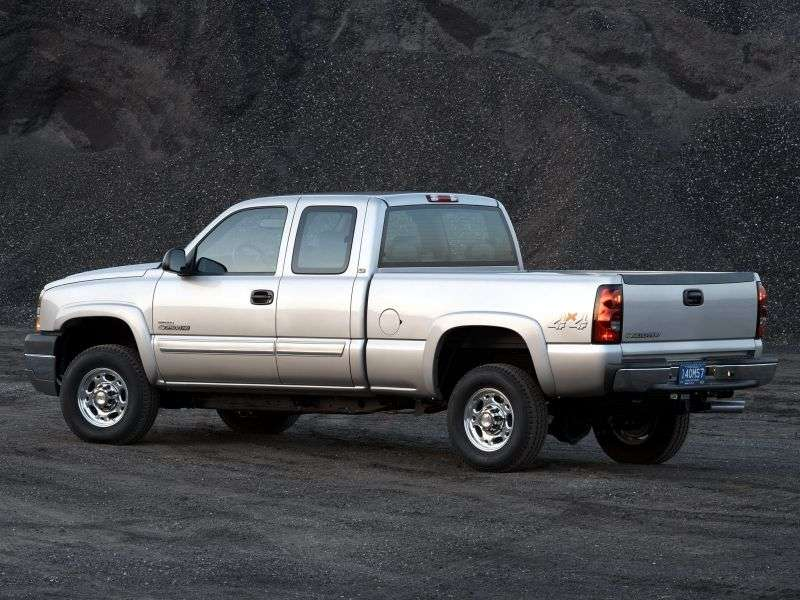 Chevrolet Silverado GMT800 [restyling] Extended Cab pick up 4 bit. 8.1 5AT LWB 2500HD (2003–2004)