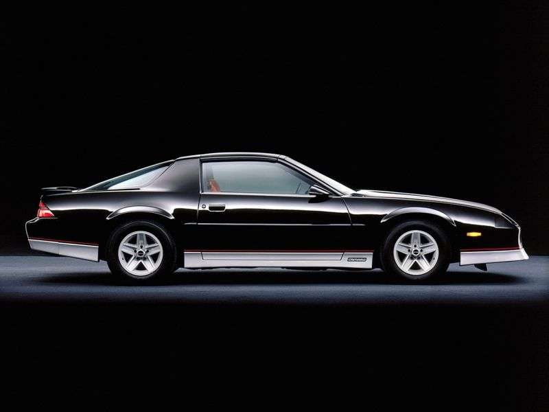 Chevrolet Camaro 3rd generation [restyling] coupe 2 bit. 2.8 AT (1985–1990)