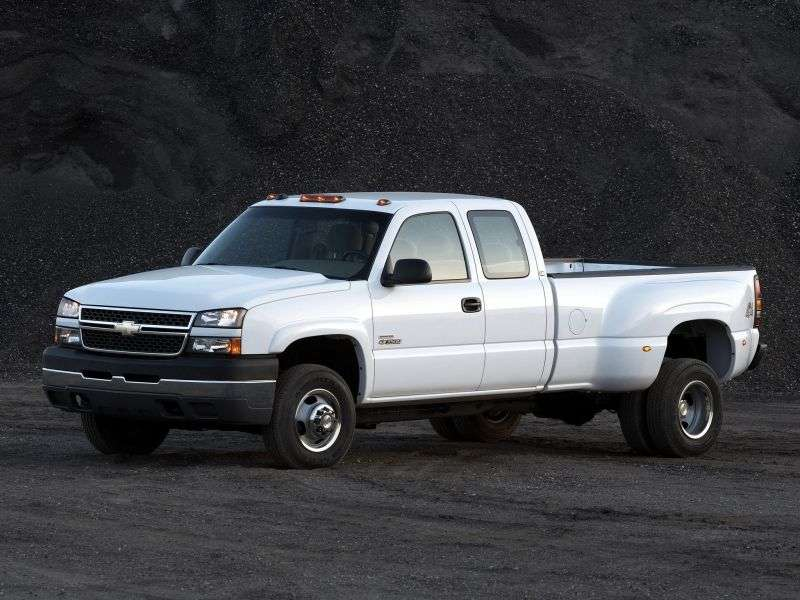 Chevrolet Silverado GMT800 [restyling] Extended Cab pick up 4 bit. 8.1 5AT LWB 3500HD DRW (2005–2005)
