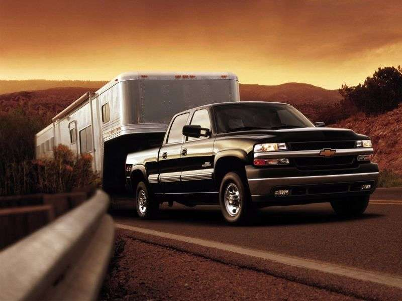 Chevrolet Silverado GMT800Crew Cab pick up 4 bit. 6.6 TD 5MT 4WD LWB 2500HD (1999–2002)