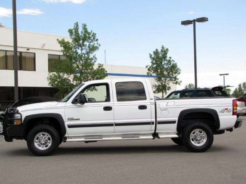 Chevrolet Silverado GMT800Crew Cab pick up 4 bit. 6.0 5AT 4WD LWB 2500HD (1999–2002)