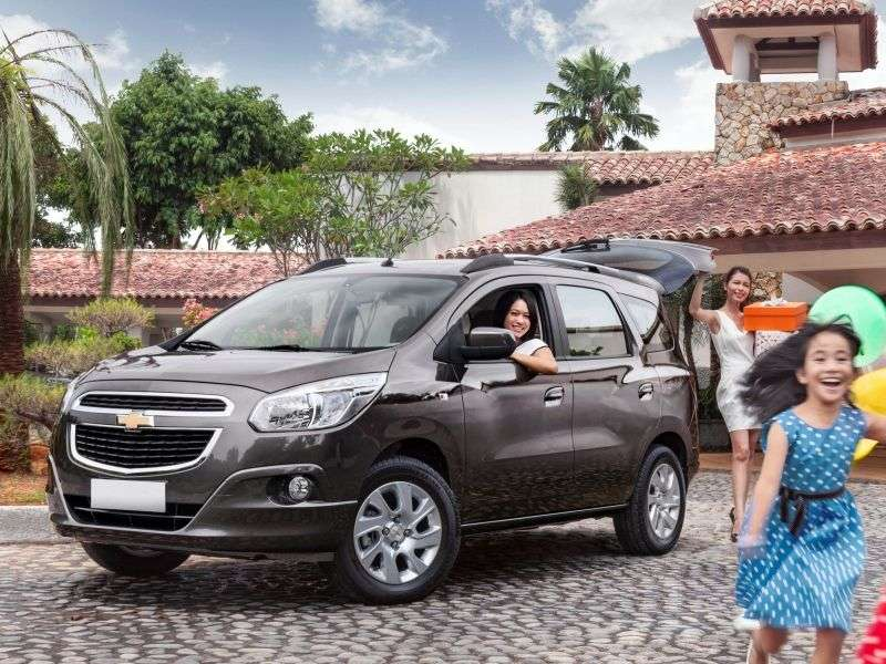 Chevrolet Spin minivan 1. generacji 1.8 Flexfuel AT (2012 obecnie)