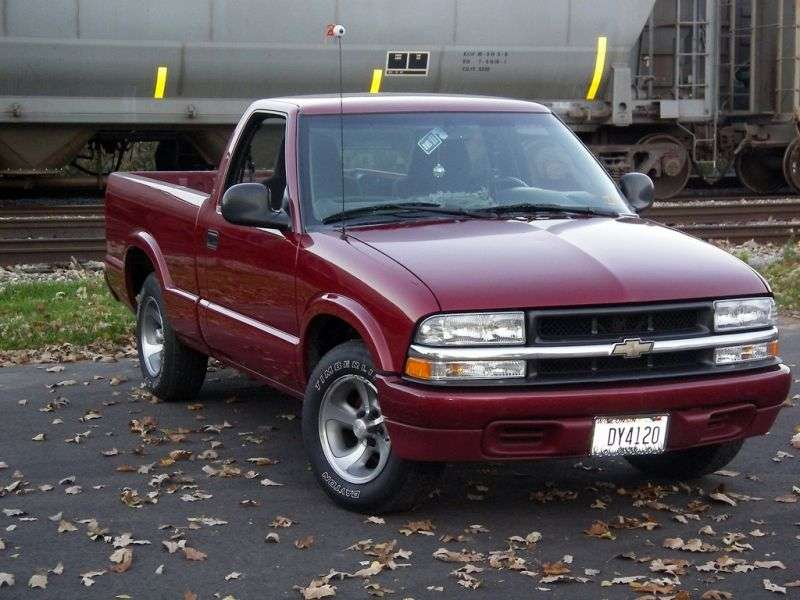 Chevrolet S 10 2nd generation [restyling] Regular Cab 2 bit pickup. 4.3 MT LWB (1998–1999)