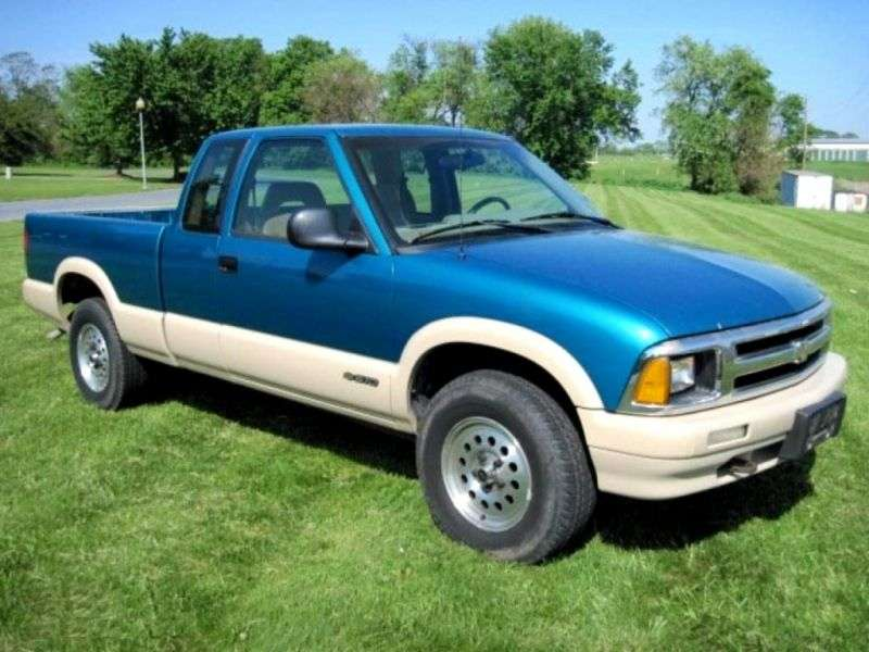 Chevrolet S 10 2nd generation Extended Cab pick up 2 bit. 2.2 AT (1994–1997)