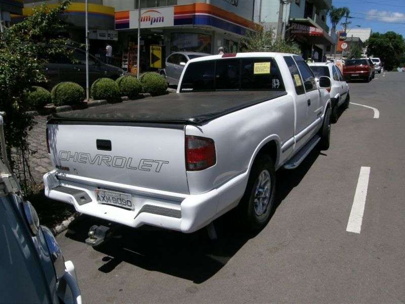 Chevrolet S 10 2nd generation Cabine Estandida BR spec pickup 2 dv. 4.3 MT (1996–1999)