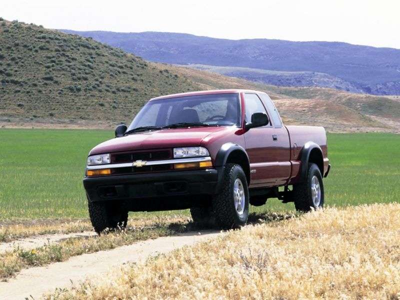 Chevrolet S 10 2 generation [restyling] Extended Cab pickup 2 dv. 4.3 AT (2000–2003)