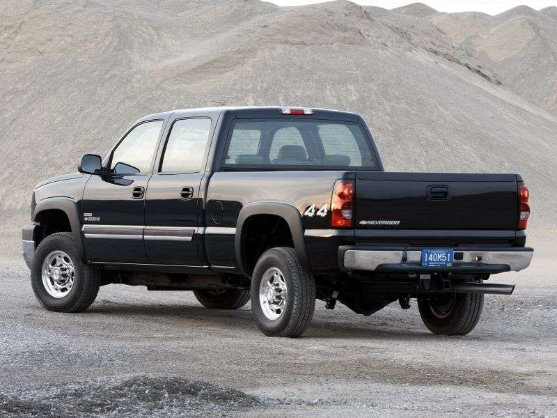 Chevrolet Silverado GMT800 [restyling] Crew Cab pickup 4 bit. 6.6 TD 4AT LWB 2500HD (2003–2004)