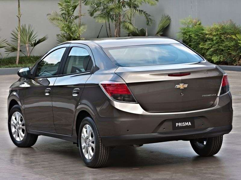 Chevrolet Prisma 2nd generation sedan 1.0 Flexfuel MT (2013 – n.)