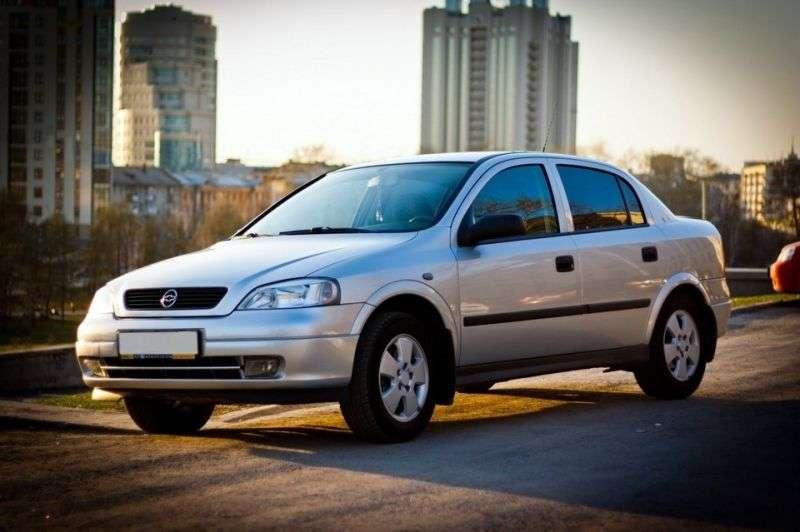 Chevrolet Viva 1st generation sedan 1.8 Ecotec MT (2004–2008)