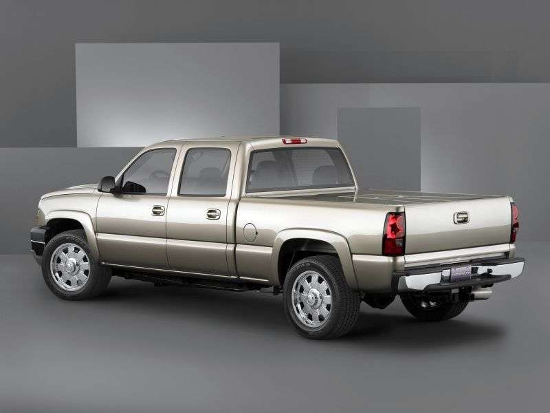 Chevrolet Silverado GMT800 [restyling] Crew Cab pickup 4 bit. 6.6 TD 6AT 4WD 2500HD (2006–2007)