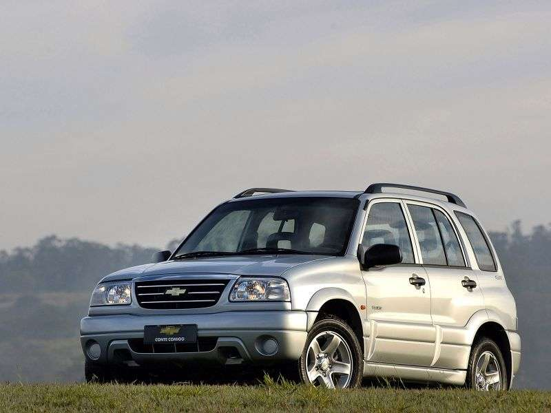 Chevrolet Tracker 2nd generation [restyling] SUV 2.0 MT AWD (2006–2009)