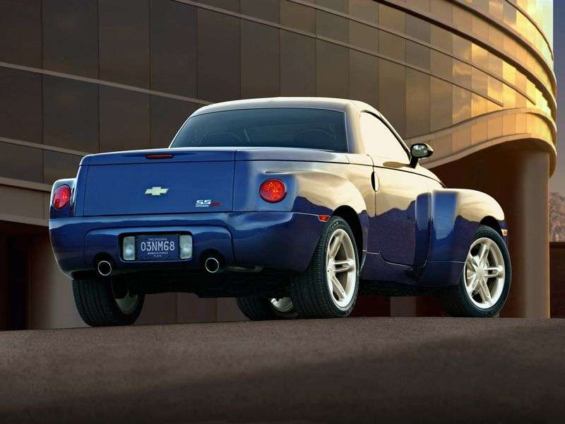 Chevrolet SSR 1st generation pickup 5.3 AT (2003–2004)
