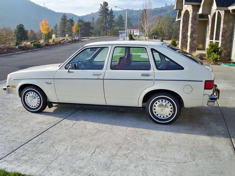 Chevrolet Chevette 1st generation [2nd restyling] 5 bit hatchback 1.6 MT (1982–1982)