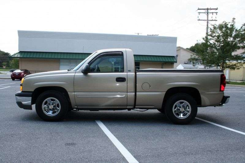 Chevrolet Silverado GMT800 [restyling] Regular Cab pick up 2 dv. 4.3 4AT LWB 1500 Fleetside (2002–2004)