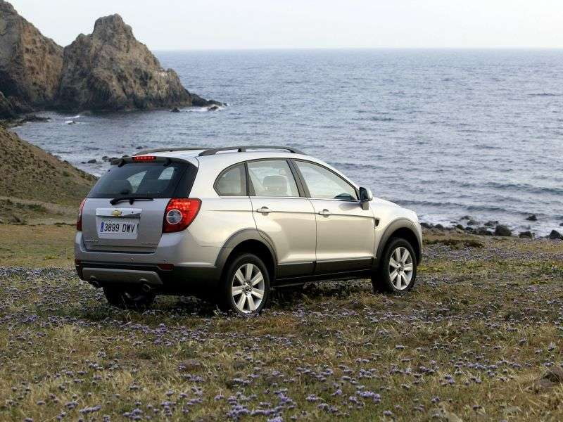 Chevrolet Captiva 1st generation 2.4 MT crossover 5 seats LS (1CE26R158) (2006–2011)