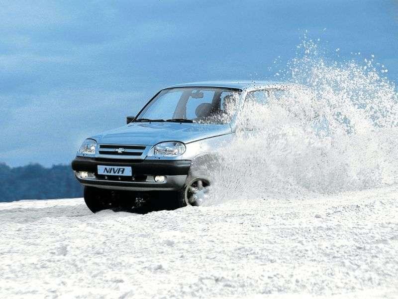 Chevrolet Niva 1st generation SUV 5 doors 1.7 MT (2002–2009)