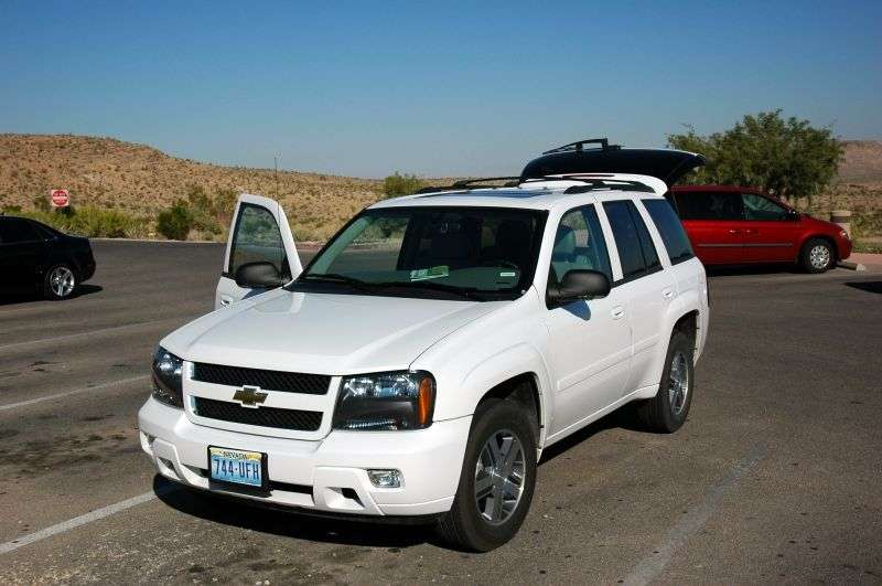 Chevrolet TrailBlazer 1st generation [restyling] SUV 5 dv. 5.3 AT (2006–2009)