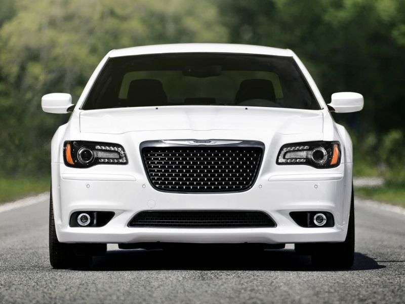 Chrysler 300C 4 drzwiowy sedan SRT8 drugiej generacji 6.1 AT SRT8 (2011 do chwili obecnej)