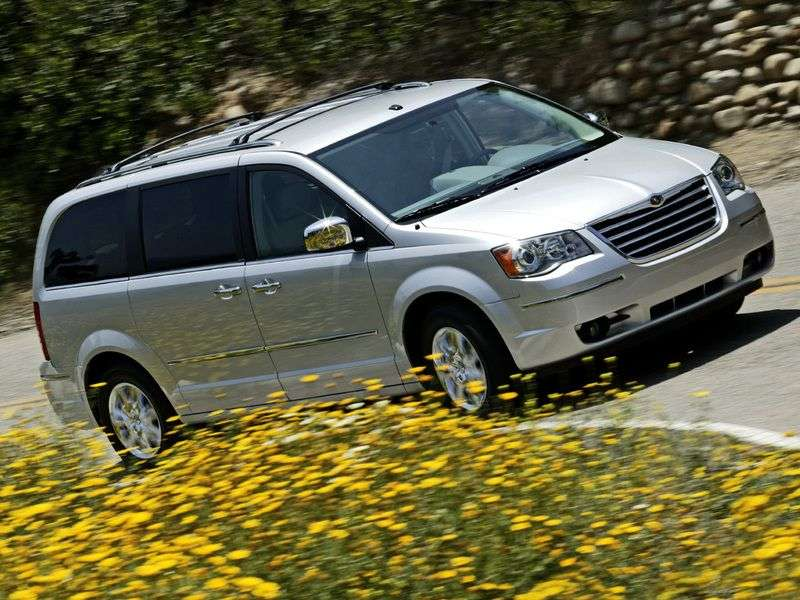 Chrysler Town and Country 5th generation minivan 4.0 AT (2007 – n.)