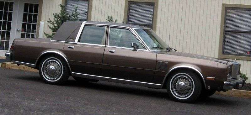 Chrysler Fifth Avenue 1st generation 5.2 AT saloon (1982–1989)
