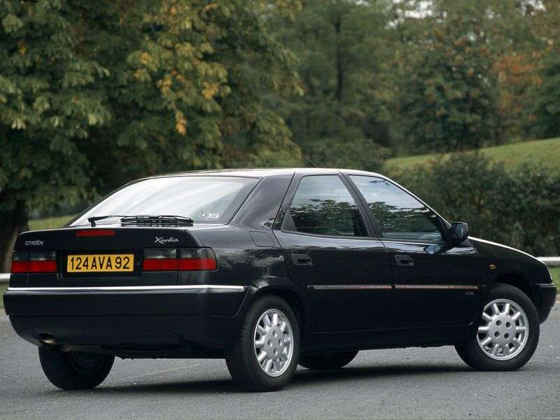 Citroen Xantia X1thatchback 1.9 AT (1994–1998)