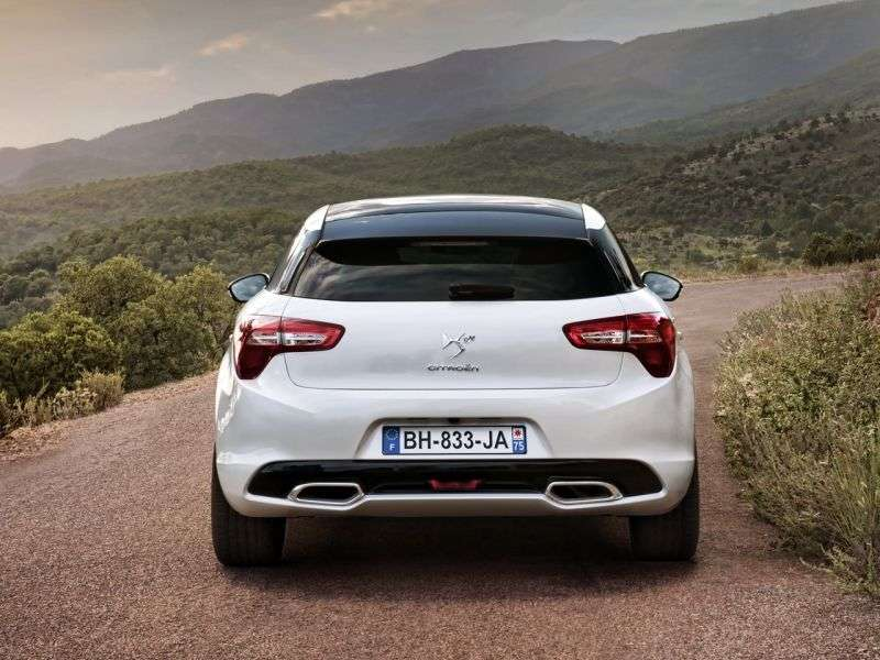 Citroen DS5 1st generation hatchback 1.6 MT THP So Chic (2012) (2012 – n.)