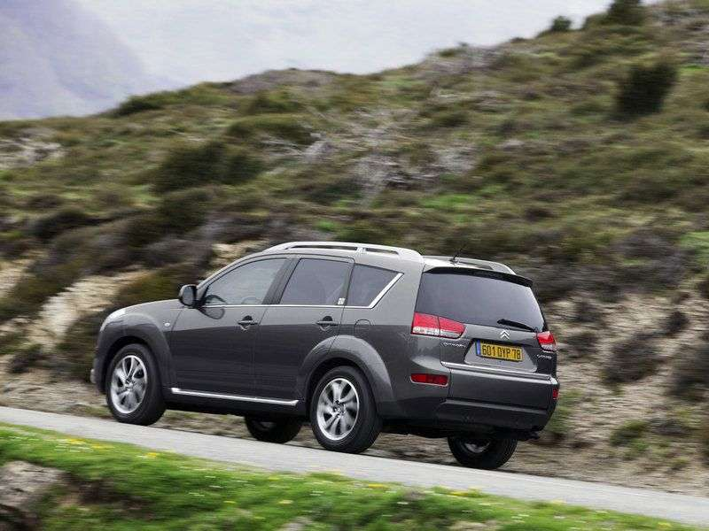 Citroen C Crosser 1st generation 2.0 MT crossover 2WD Confort (2011) (2007–2013)