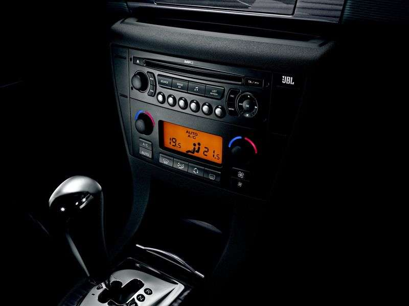 Citroen C4 1st generation 5 bit hatchback 1.6 MT Optimum (2004–2010)