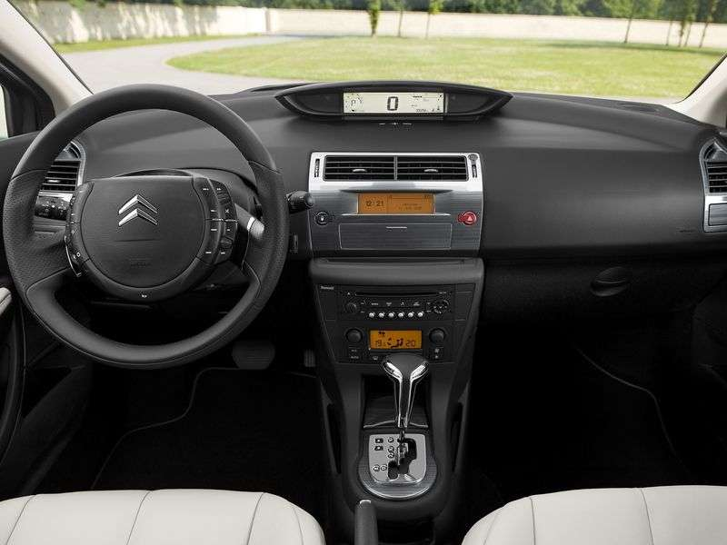 Citroen C4 1st generation 5 bit hatchback 1.6 AT Confort (2004–2010)