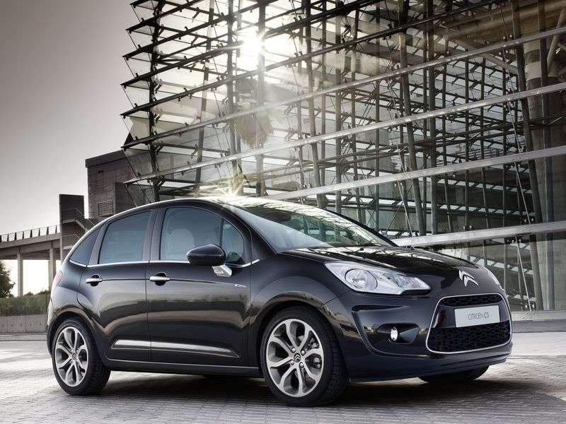 Citroen C3 2nd generation hatchback 1.4 MT Exclusive (2009–2013)