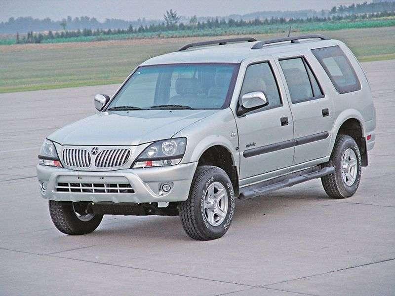 Dadi City Leading 1st generation SUV 2.4 MT (2004 – n.)