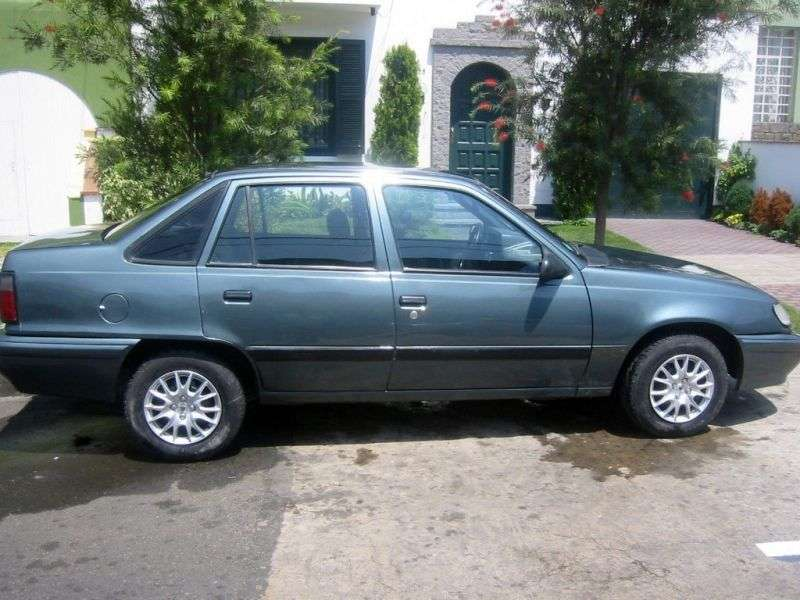 Daewoo Racer 1st generation sedan 1.5 MT (1993–1995)