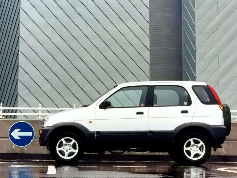 Daihatsu Terios crossover pierwszej generacji 1.3 AT 4WD (1997 2000)