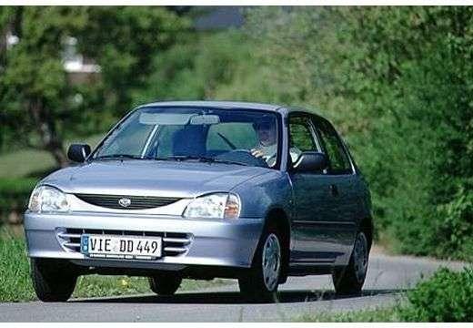 Daihatsu Charade 4. generacja [zmiana stylizacji] hatchback 1.5 MT (1996 2000)