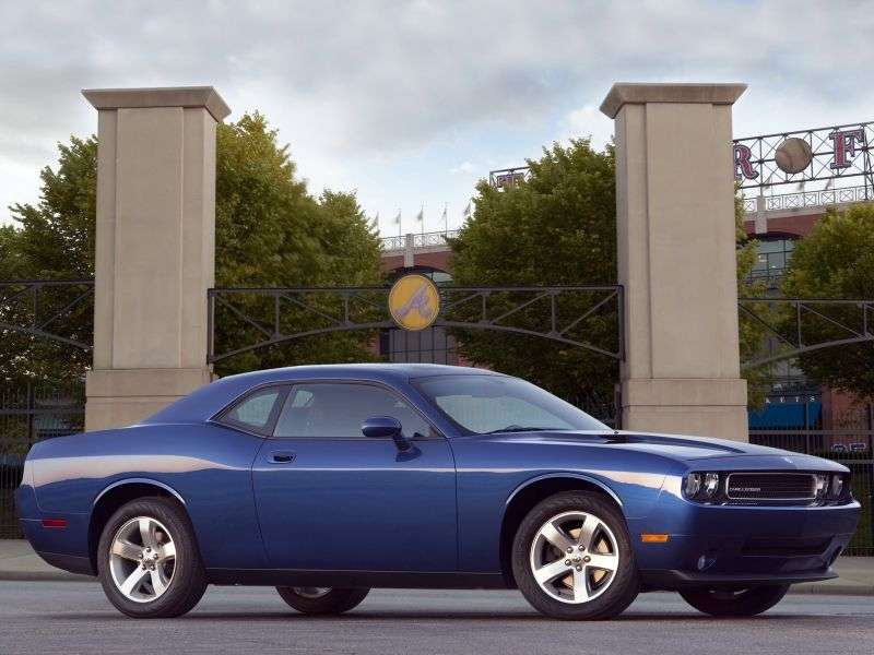 Dodge Challenger 3rd generation coupe 2 bit. 3.6 V6 5AT SE (2010–2012)