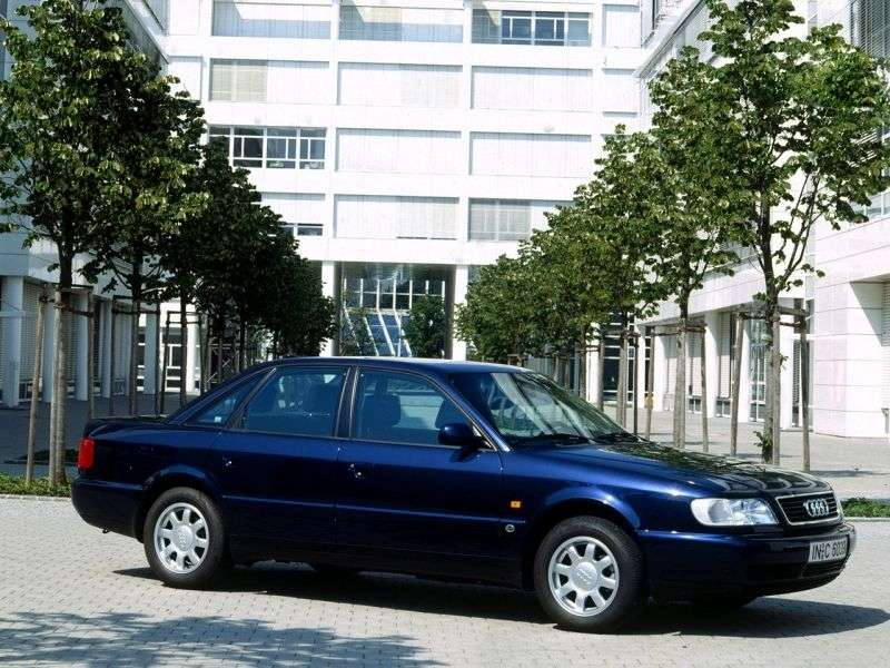 FAW Audi A6 1st generation 1.8 MT sedan (2000–2005)