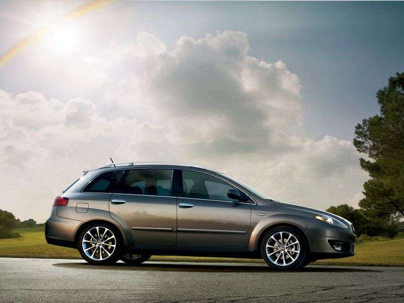 Fiat Croma 2nd generation wagon 2.2 AT Dynamic (2008–2011)